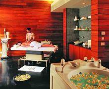 De stressing massage at Kaya Kalp