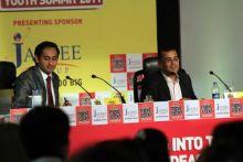 Chetan Bhagat with Rahul Kanwal