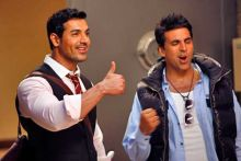 Akshay Kumar and John Abraham in Desi Boyz