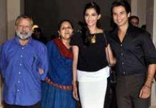 Pankaj Kapoor, Supriya Pathak, Sonam Kapoor and Shahid Kapoor