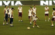 Venezuelan players practice