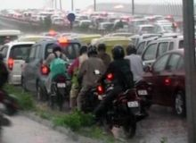 Traffic jam in Delhi due to rains