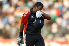 Samit Patel reacts after losing his wicket