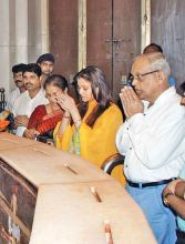 Aishwarya with parents