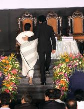 West Bengal Chief Minister Mamata Banerjee with Shah Rukh Khan
