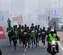 Participants at the Delhi Half Marathon 2011.