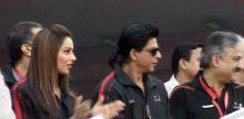 Shah Rukh Khan and Bipasha Basu