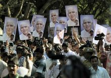 Supporters of B S Yeddyurappa