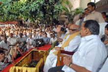 DMK leaders during the fast over over the Mullaperiyar Dam issue