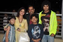 Shankar Mahadevan with family