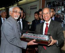 E. Sreedharan with Hamid Ansari