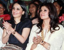 Anu Dewan and Twinkle Khanna