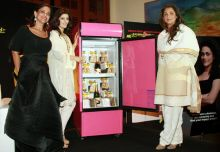 Kalli Purie, Twinkle Khanna and Dimple Kapadia