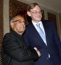 Robert Zoellick with Pranab Mukherjee