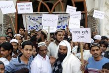 Muslims in Lucknow protest Salman Rushdie's impending India visit