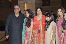 Sridevi, Boney Kapoor, Jahnvi and Khushi.