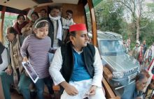 Akhilesh Yadav campaiging for UP polls