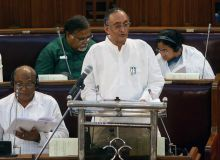 Amit Mitra presents the Budget