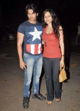 Karanvir Bohra with wife