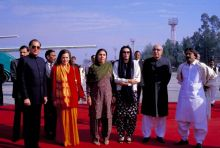 Benazir Bhutto and Asif Ali Zardari with Rajiv Gandhi and Sonia Gandhi