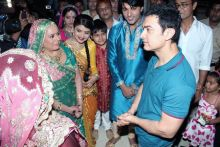 Aamir Khan with Diya Aur Baati Hum star cast