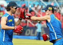 Deccan Chargers cricketers practice