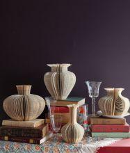 Narrative vases