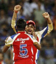 Virat Kohli and Vinay Kumar