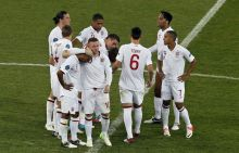 England's Wayne Rooney(center), Ashley Cole
