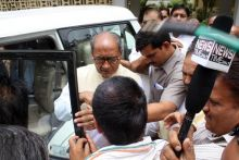 Congress workers welcome Digvijay Singh