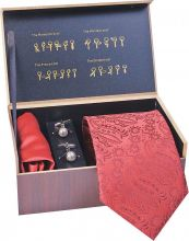 Cufflinks and tie set