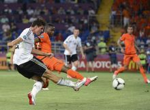 Mario Gomez(Germany), Jetro Willems(the Netherlands)