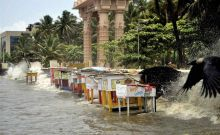 High tide strikes Dadar Chowpaty in Mumbai