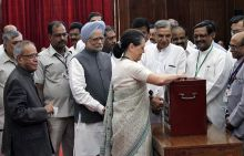 Sonia Gandhi with other ministers