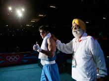 Vijender Singh (left)