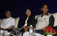 Olympic Bronze medal winner Mary Kom (centre).