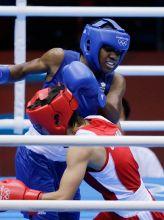 Nicola Adams(in blue)