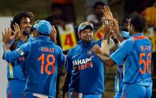 India's Irfan Pathan, right, and team-mates