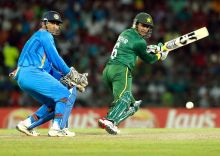 Shoaib Malik, right, and MS Dhoni