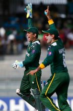 Kamran Akmal (left) and Mohammad Hafeez