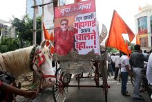 Shiv Sena rally in Mumbai, Bullock cart rally, Bal Thackeray poster