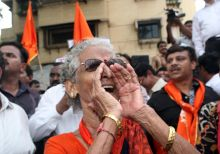 Shiv Sena rally in Mumbai, Sena worker