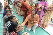 Kanya Pujan, Madhya Pradesh Chief Minister Shivraj Singh Chouhan