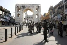 Riots break out in Hyderabad's Old City