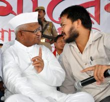 Anna Hazare (left) and Akhil Gogoi, KMSS Public Meeting, Guwahati