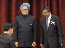Cambodian Prime Minister Hun Sen with PM Manmohan Singh