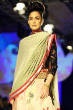 Model in Varun Bahl's collection