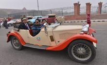 Vintage car rally in Delhi