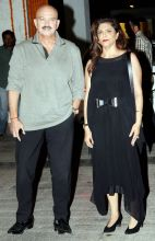 Rakesh Roshan with wife
