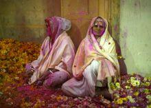 Vrindavan widows play Holi